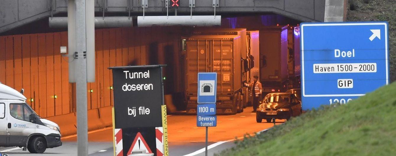 В Бельгии столкнулись два автобуса, грузовик и легковушка: десятки пострадавших