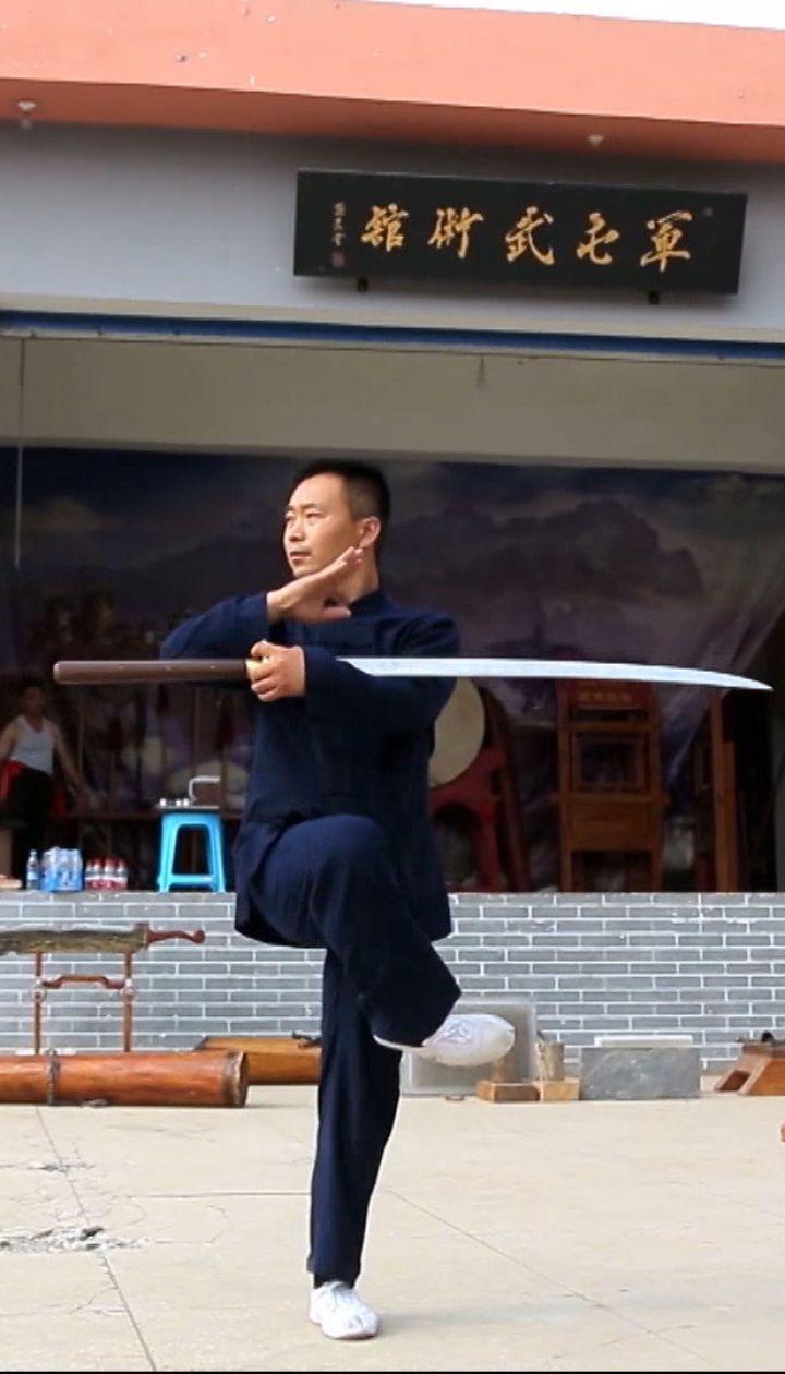 Не чувствовать боли: Дмитрий Комаров увидел, как учат опасным боевым искусствам в китайской школе