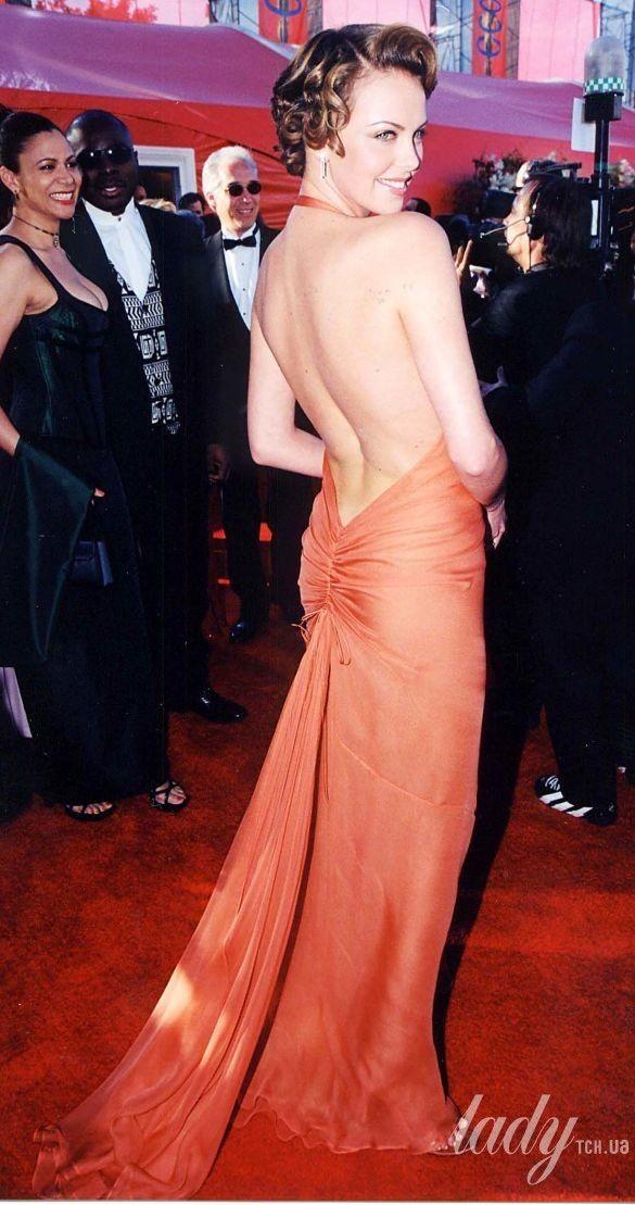 "Шарлиз Терон на 72 церемонии ""Оскара"" в платье Vera Wang, 2000_2"