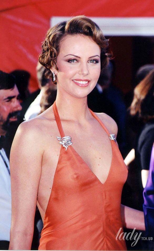"Шарлиз Терон на 72 церемонии ""Оскара"" в платье Vera Wang, 2000_1"