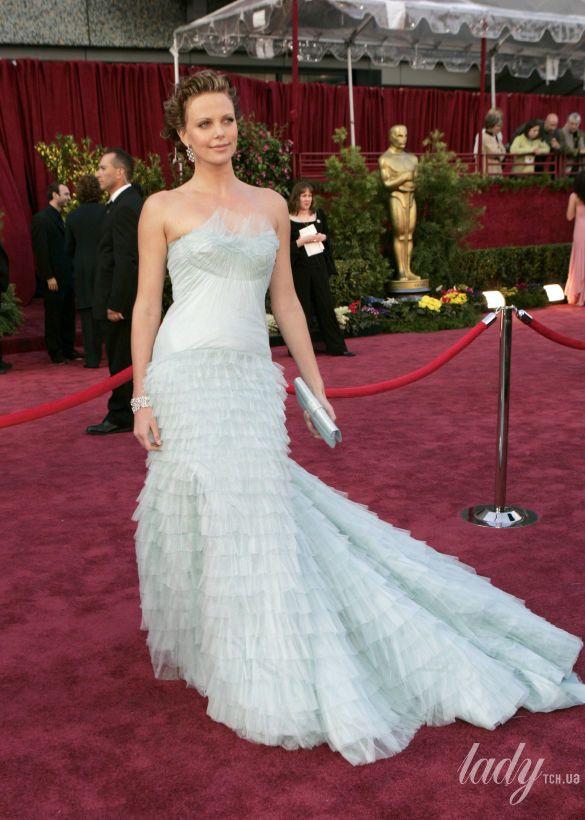 "Шарлиз Терон на 77 церемонии ""Оскара"" в платье Christian Dior, 2005"