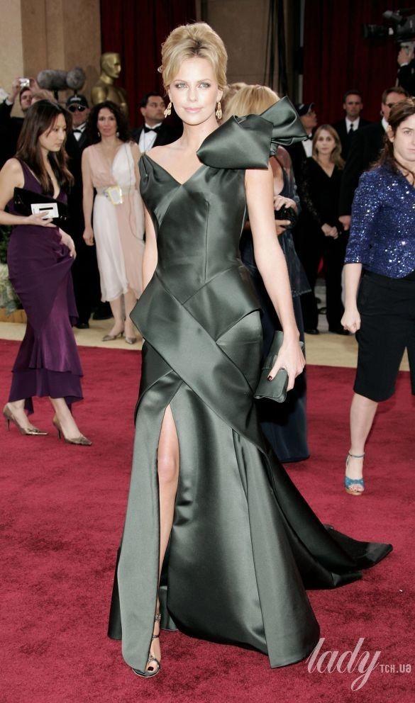 "Шарлиз Терон на 78 церемонии ""Оскара"" в платье John Galliano for Christian Dior, 2006"