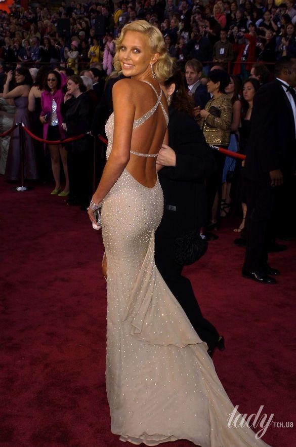 """Шарлиз Терон на 76 церемонии """"Оскара"""" в платье Gucci, 2004"""
