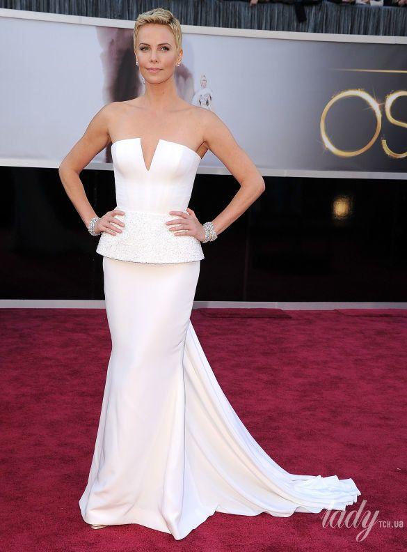 "Шарлиз Терон на 85 церемонии ""Оскара"" в платье Christian Dior, 2013"