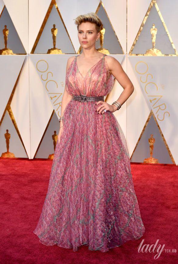 "Скарлетт Йоханссон на 89 церемонии ""Оскара"" в платье Azzedine Alaia, 2017"