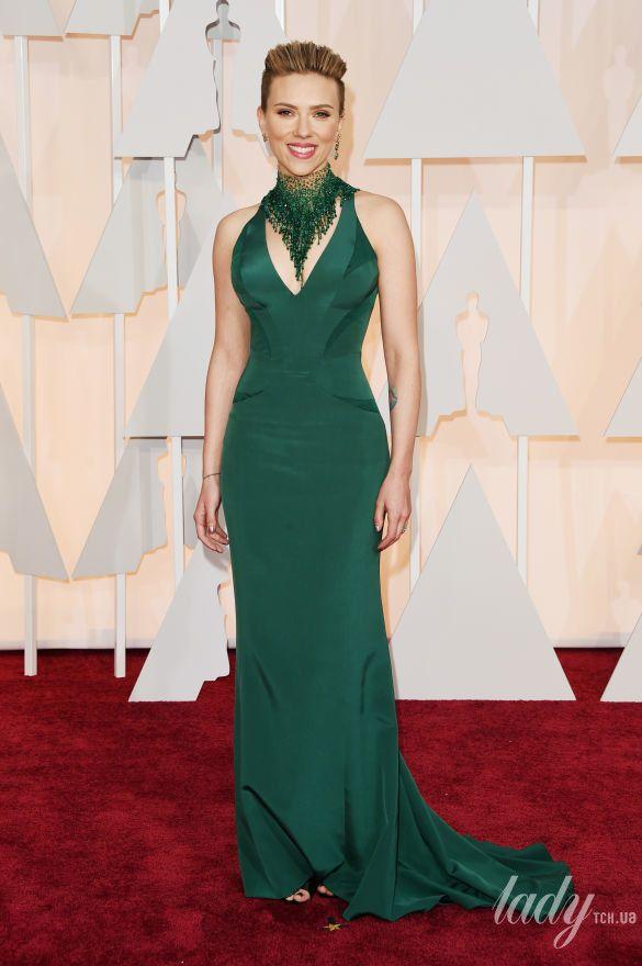 """Скарлетт Йоханссон на 87 церемонии """"Оскара"""" в платье Atelier Versace, 2015"""