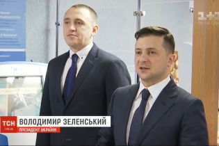 У украинцев появилась возможность бесплатно записать на ID-карту свою электронную подпись