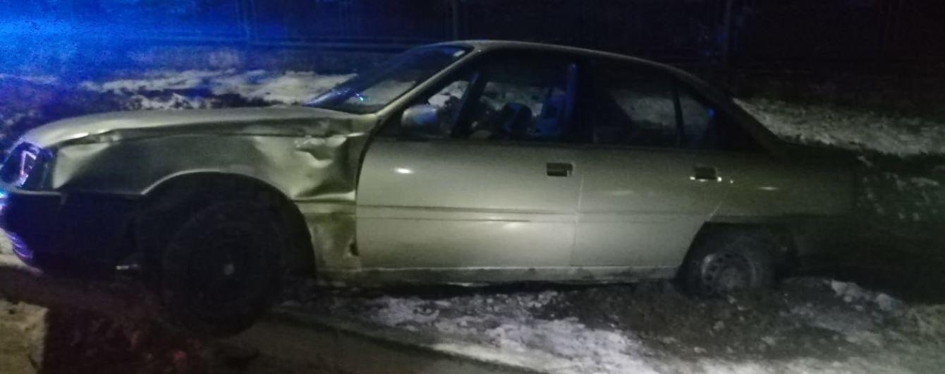 На Львівщині 25-річний водій легковика збив на узбіччі чотирьох пішоходів: є загиблі