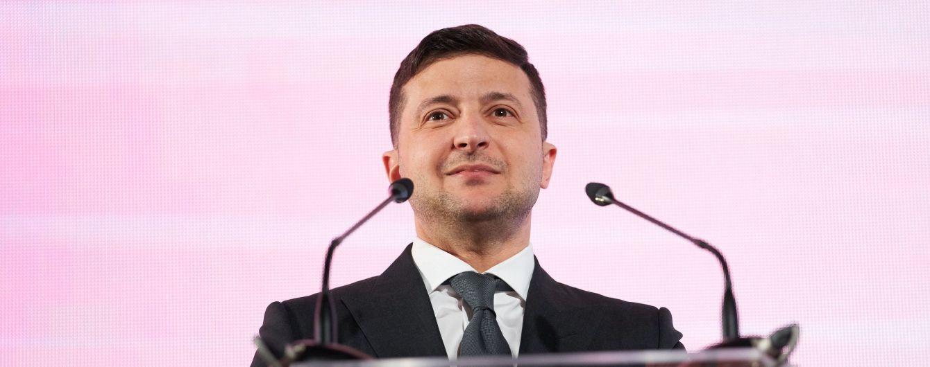Изменить страну за одну каденцию и уйти: какие требования украинцев к Зеленскому-президенту