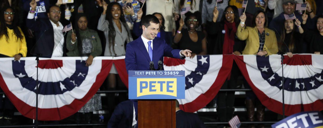 Демократи хочуть переглянути спірні результати перших внутрішньопартійних виборів кандидата в президенти США