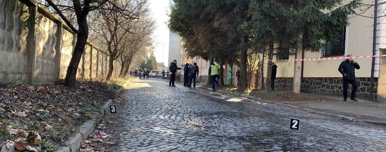 Правоохоронці кваліфікували стрілянину у Мукачеві як замах на подвійне вбивство