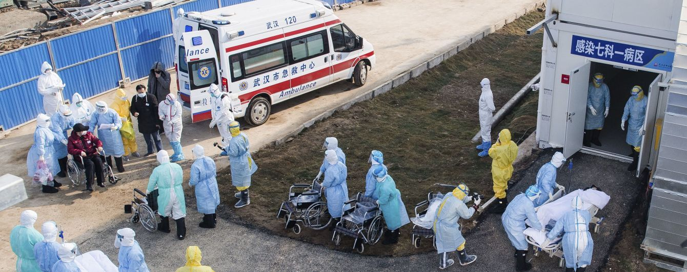 В Китае от коронавируса за сутки умерли почти 100 человек