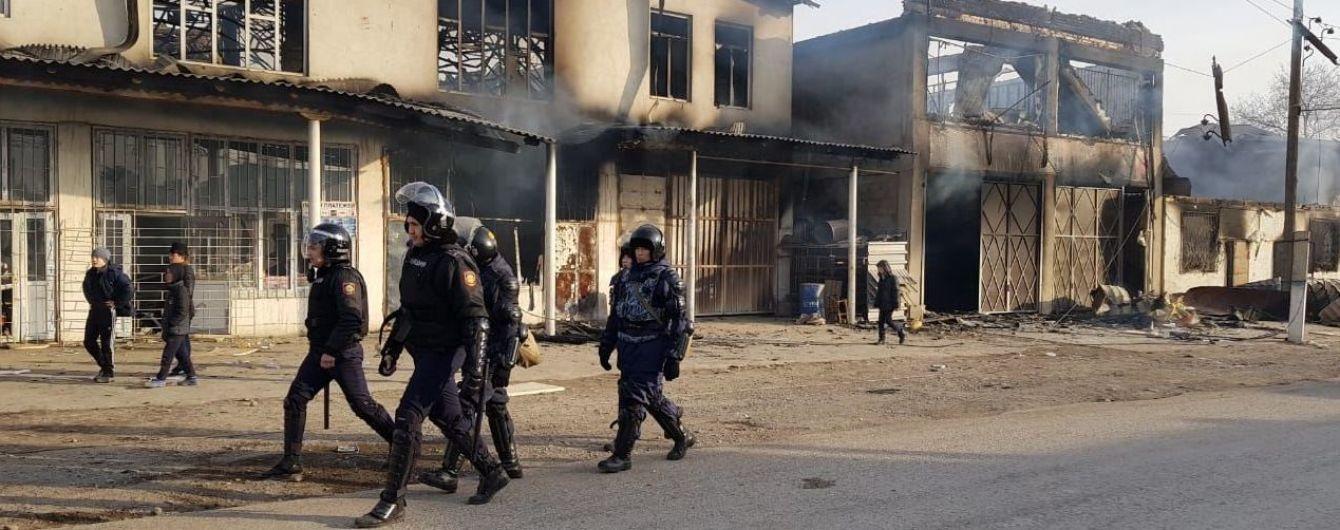 Масова бійка з перестрілками та підпалами: у Казахстані у заворушеннях убили вісьмох людей