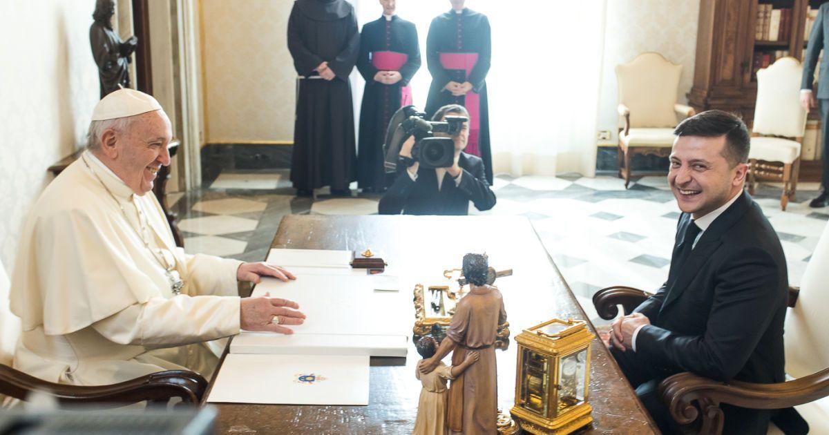 Зеленський у Ватикані зустрівся із Папою Римським @ Офіс Президента України