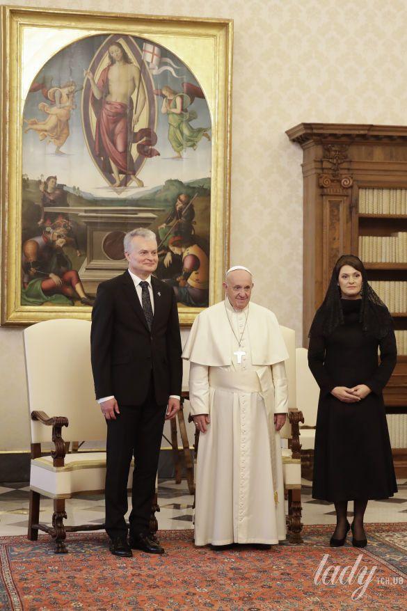 Президент Литвы Гитанас Науседа  и его жена Диана Науседиен на приеме у Папы Римского Франциска