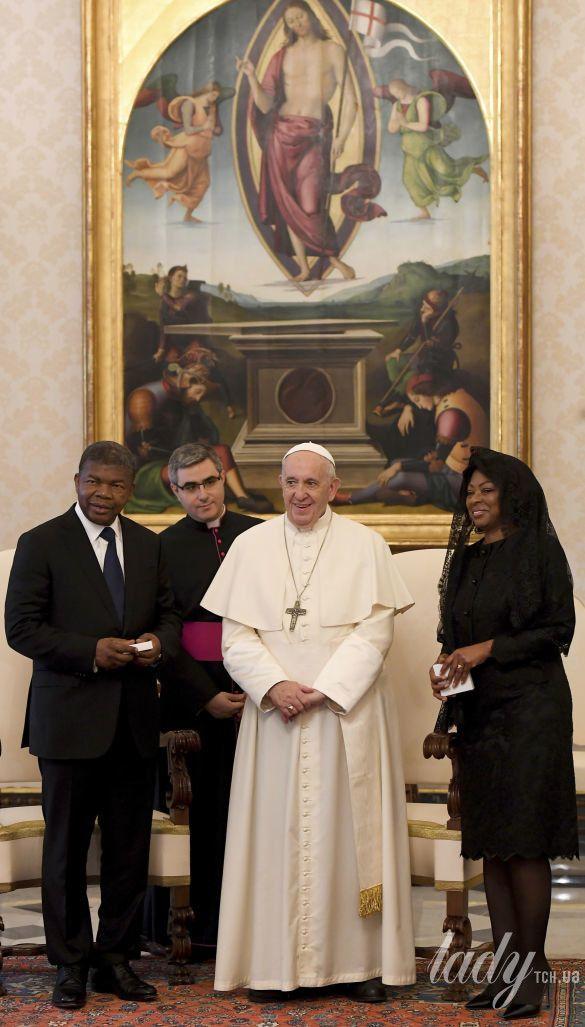 Президент Анголы Жоао Лоуренко и его жена Ана Диас Лоуренко на приеме у Папы Римского Франциска