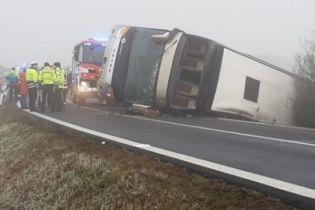 У Чехії перекинувся автобус з 70 дітьми