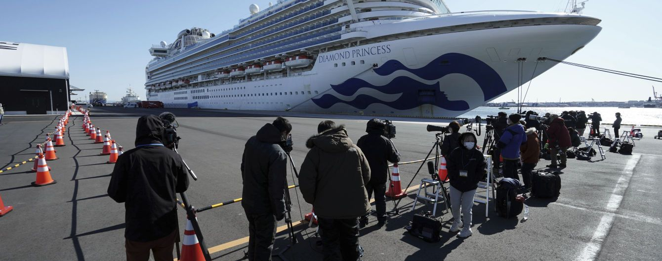 Член екіпажу зняв на відео життя круїзного лайнера, де є один заражений коронавірусом українець