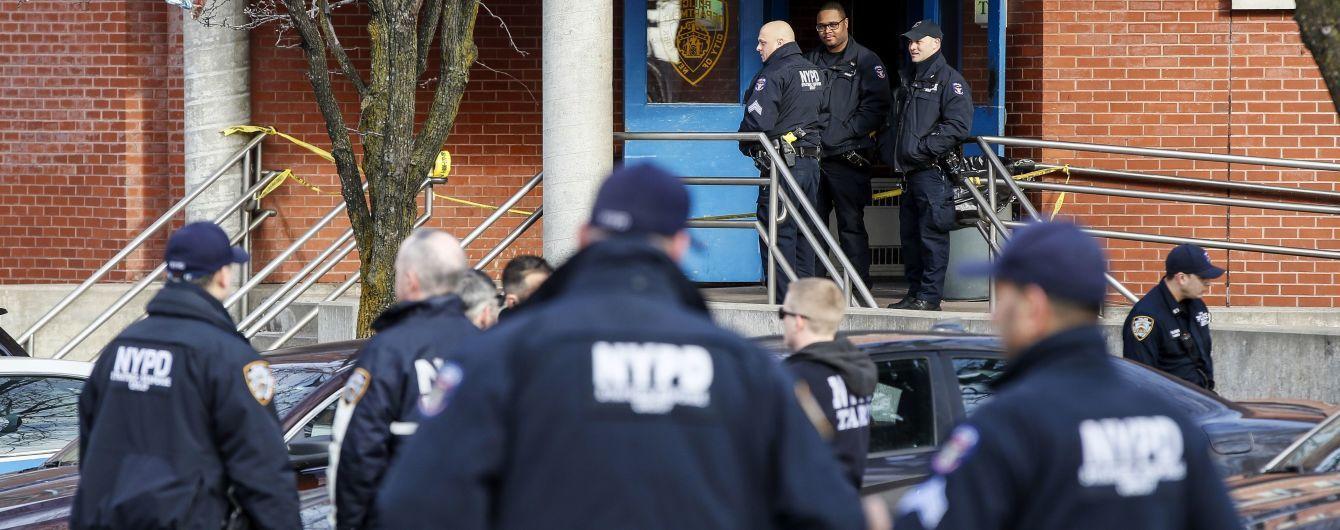 У США невідомий увірвався до поліцейського відділку і влаштував стрілянину: є поранені