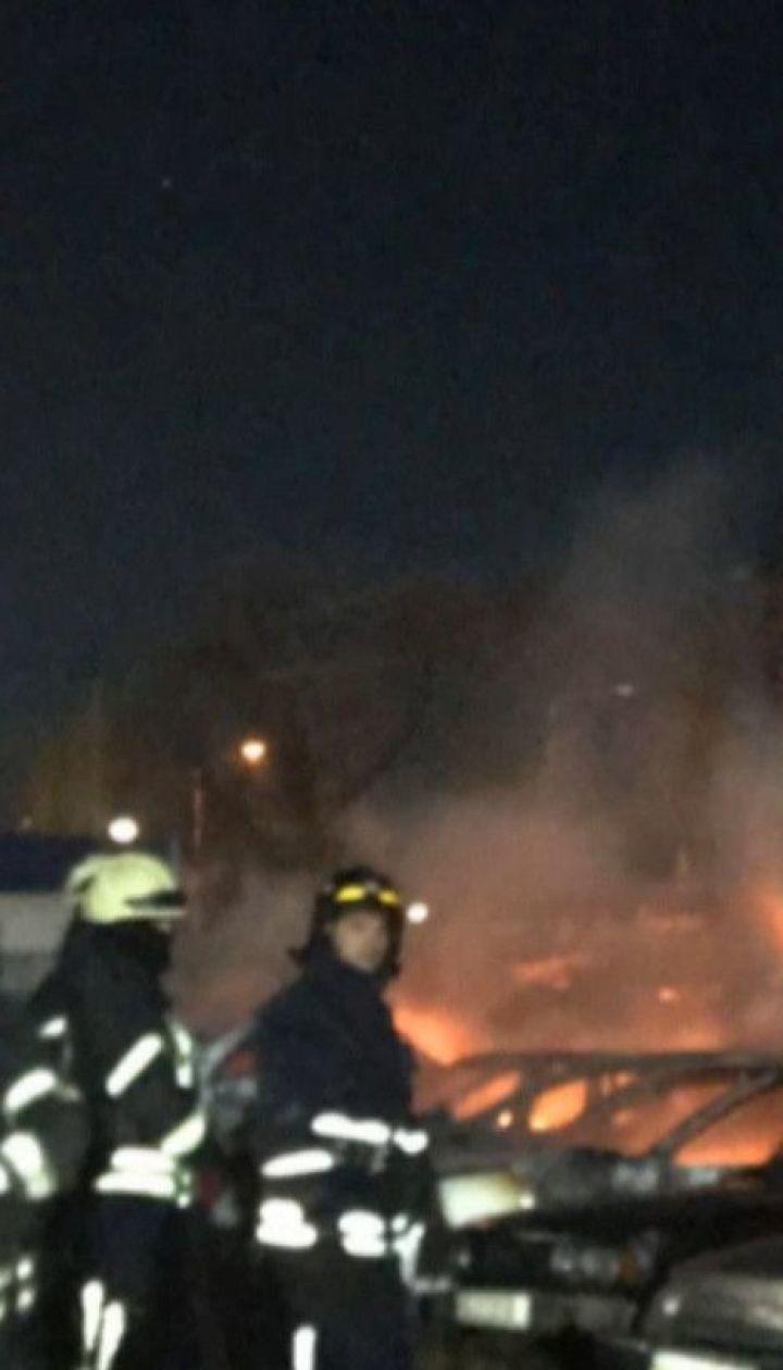 Более двух десятков автомобилей сгорело на штрафплощадке в Одессе