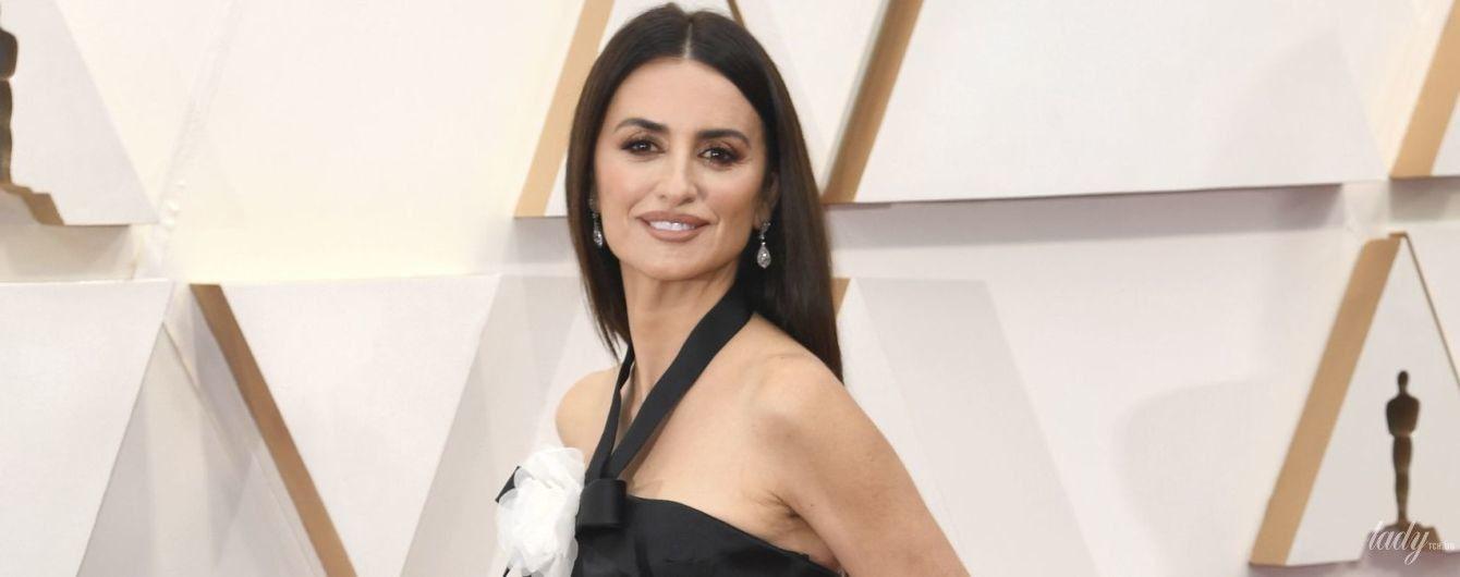 """У сукні з пишним подолом і перлами на талії: красивий образ Пенелопи Крус на """"Оскарі"""""""