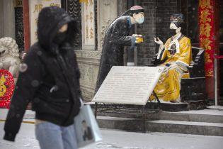 В Китае наглый мужчина две недели жил, ел и пил в закрытом из-за коронавируса ресторане