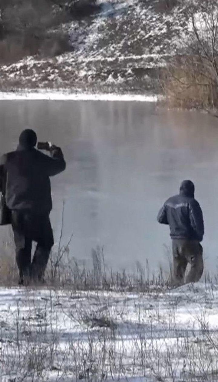 Трое 5-летних детей провалились под лед и утонули в Запорожской области