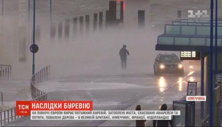 6 человек стали жертвами мощного урагана, который свирепствует в Европе