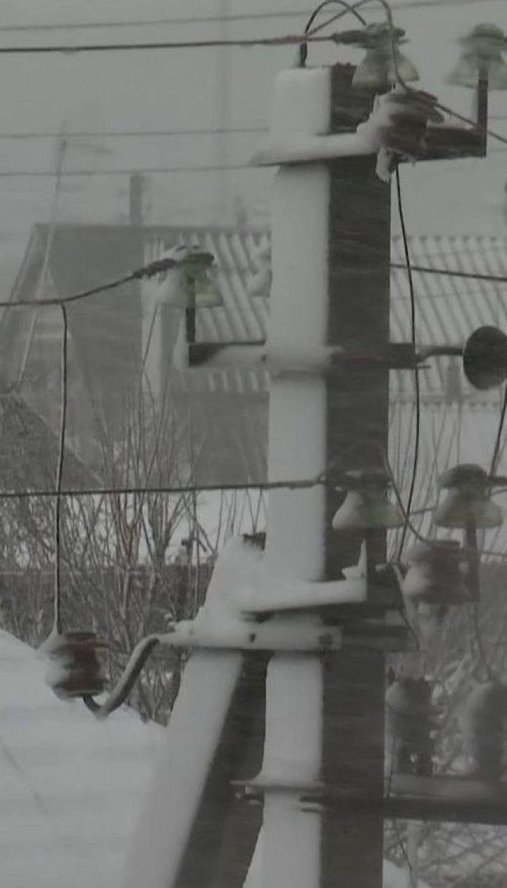 Синоптики прогнозують в Україні сильний вітер, сніг і дощ