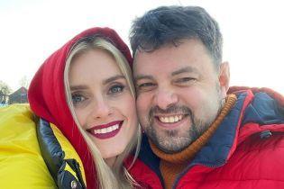 Ирина Федишин очаровала яркими фото с мужем