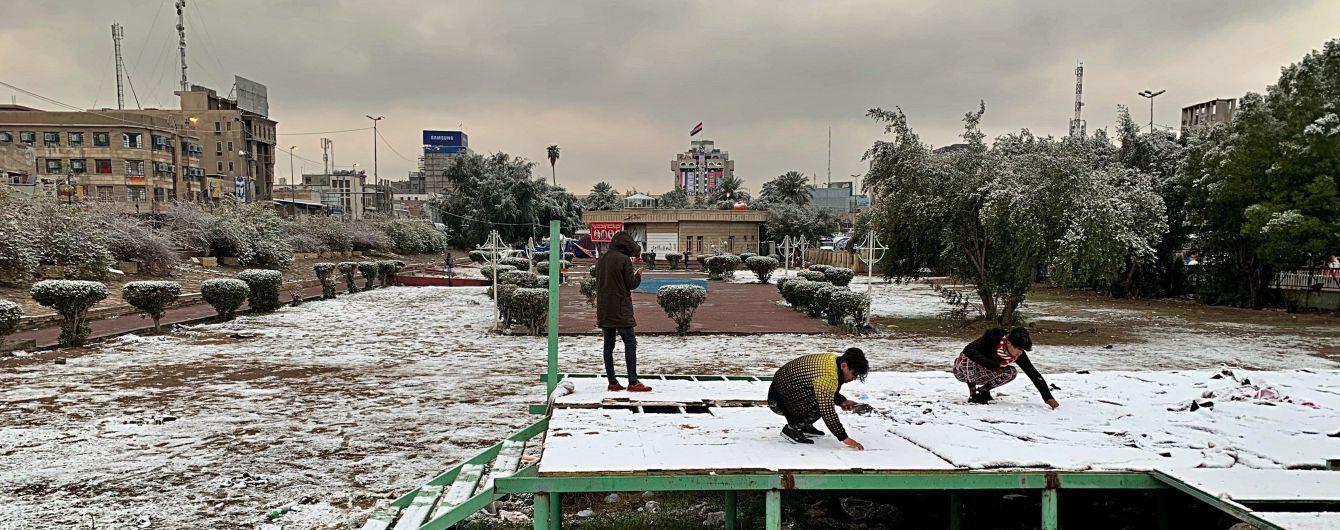 В Багдаде впервые за последние 12 лет выпал снег