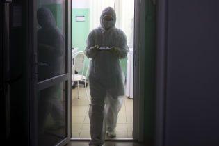 На Закарпатье госпитализировали больного ОРВИ, который работал на китайца – СМИ
