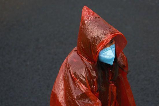 У Китаї знезаражуватимуть купюри через поширення смертельного коронавірусу