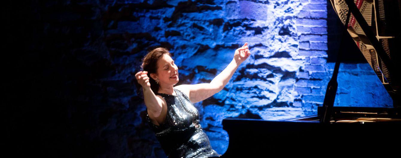Известная канадская пианистка оплакивает фортепиано за 200 тысяч долларов. Инструмент разбили грузчики