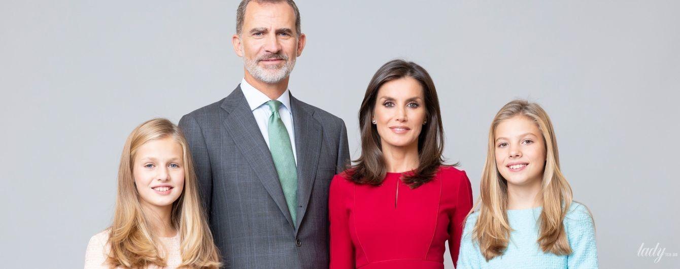 Какие красивые: испанские монархи представили серию новых портретных фотографий