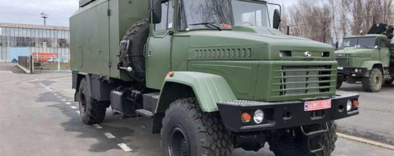"""На базі """"КрАЗа"""" випустили вантажівку з броньованим кузов-фургоном"""