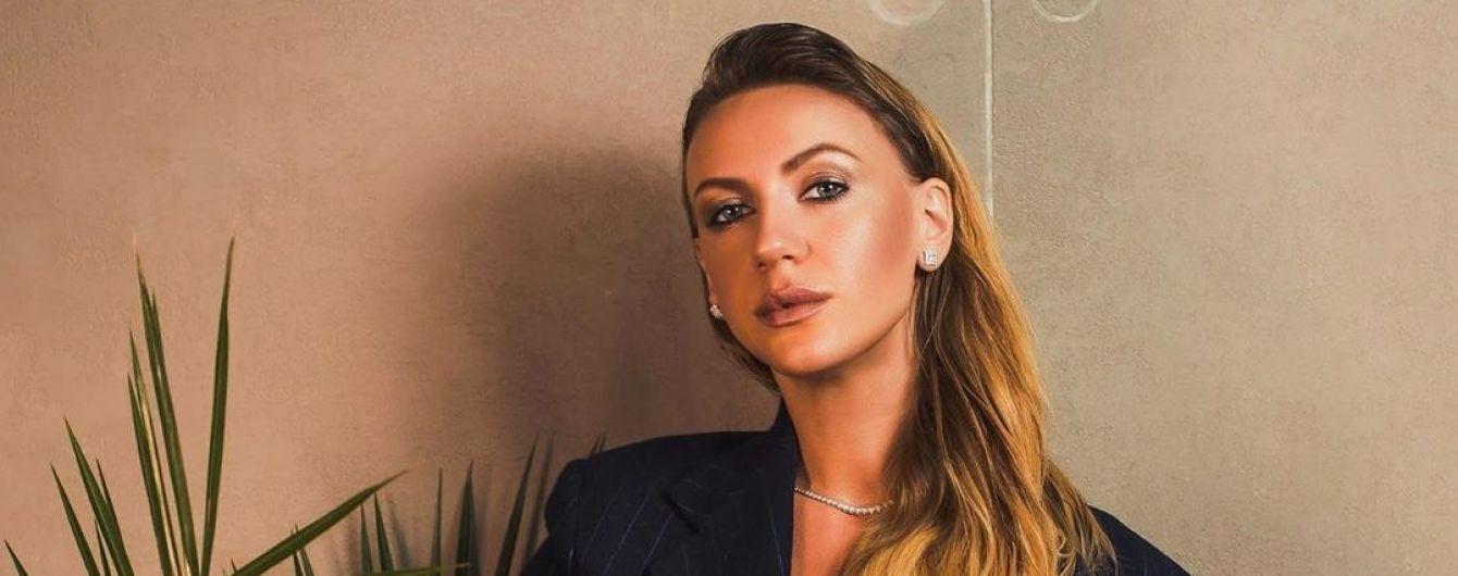 Співуча Леся Нікітюк записала свій перший трек про кохання