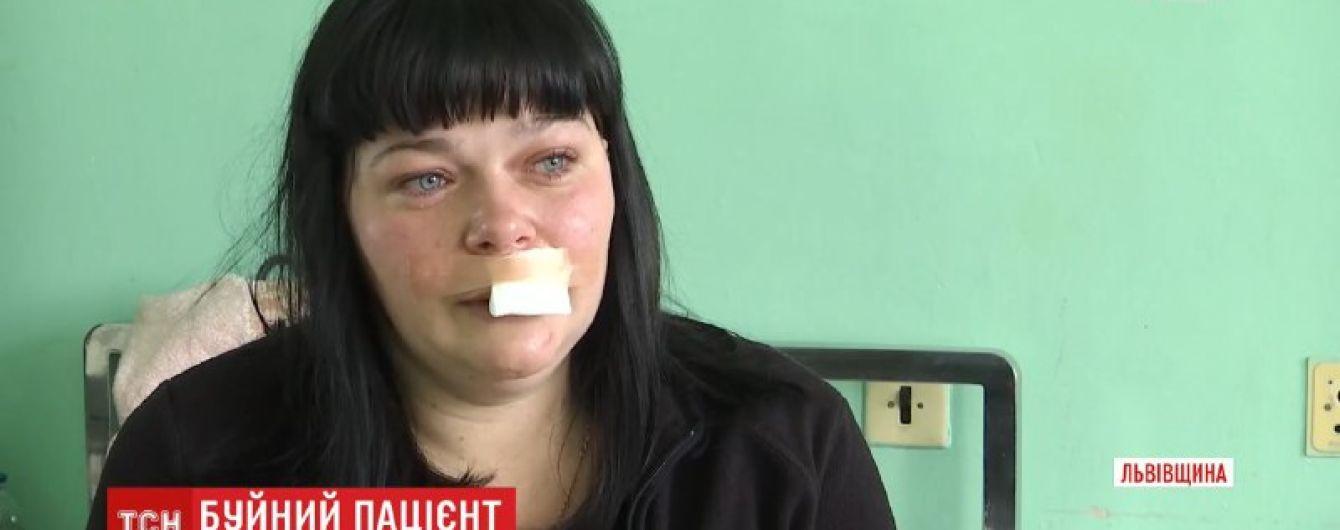 """""""У психолога лечусь"""". Пациент, который напал на фельдшера во Львовской области, объяснил свои агрессивные действия"""