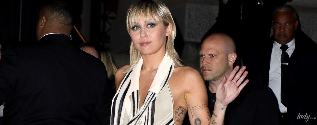 Прийшла майже голою: Майлі Сайрус відвідала шоу Marc Jacobs в Нью-Йорку