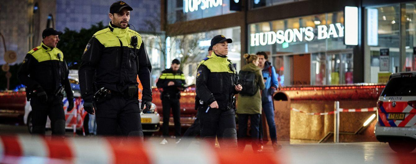 Поштовий тероризм у Нідерландах. Поліція виявила ще дві вибухівки у посилках