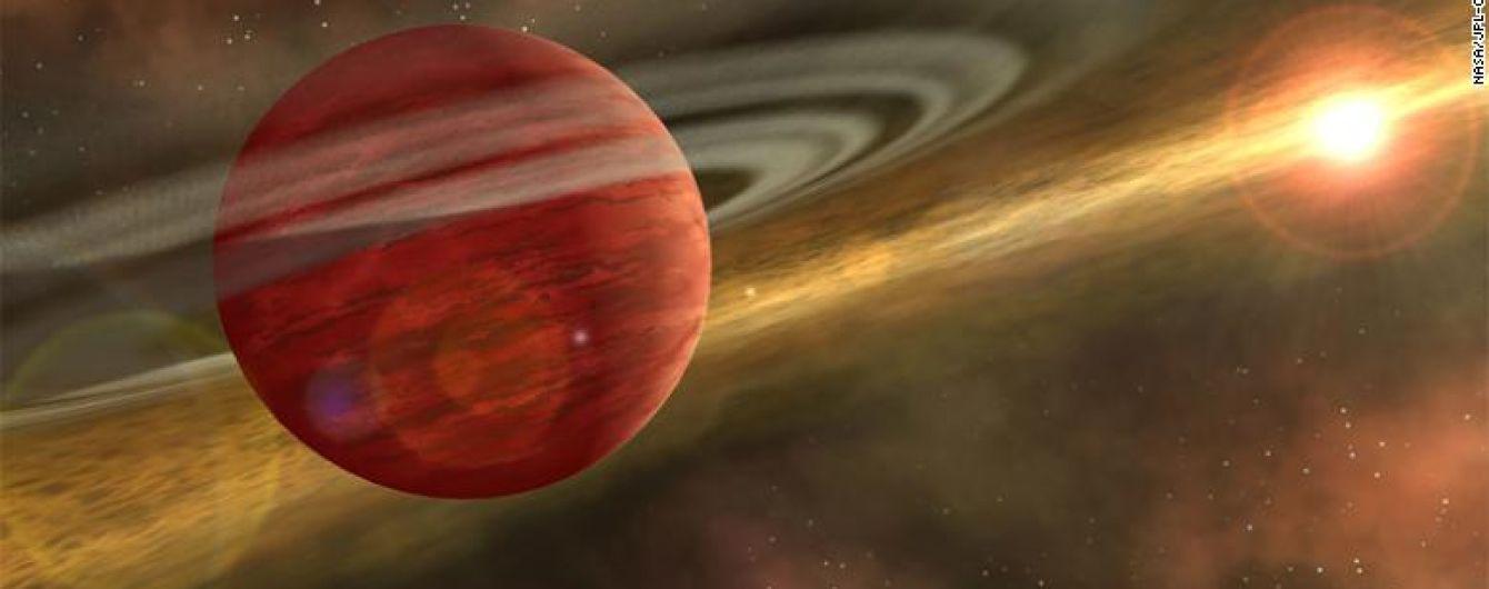 Больше, чем Юпитер: астрономы нашли новорожденную гигантскую планету возле Земли