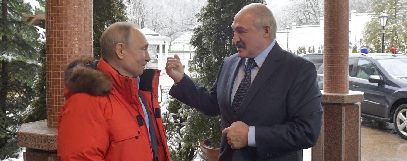 Лукашенко заявив про натяки Кремля приєднати Білорусь до Росії