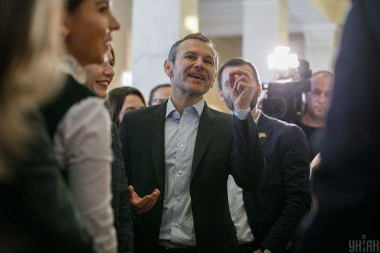 Розбіжності позицій: стало відомо, чому Вакарчук вирішив залишити Верховну Раду