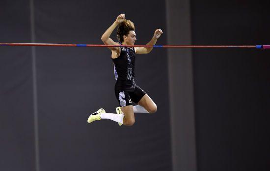 20-річний швед вдруге за тиждень побив світовий рекорд у стрибках з жердиною