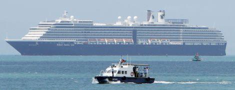 Украинцев не планируют эвакуировать из лайнера, стоящего на карантине у Японии - консул