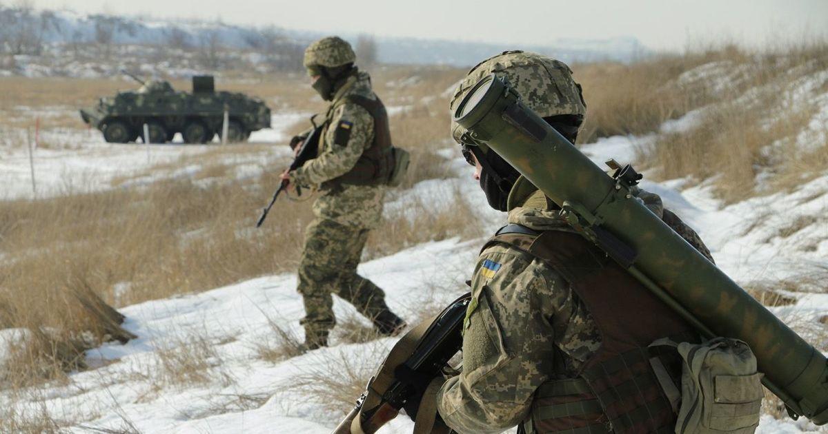 В течение суток боевики 10 раз нарушили режим прекращения огня: били из запрещенного вооружения