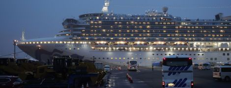 У двух эвакуированных пассажиров лайнера Diamond Princess с украинцами на борту обнаружили коронавирус