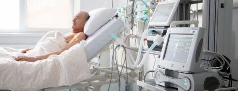 В Александровской больнице Киева впервые провели операцию по вживлению механического сердца