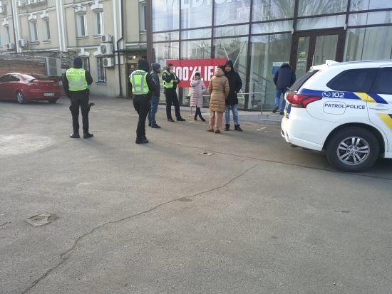 У Києві невідомі напали на офіс благодійної організації, яка допомагає ВІЛ-позитивним людям
