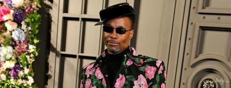 У піджаку з тюльпанами і плісованій спідниці: епатажний Біллі Портер на Лондонському тижні моди